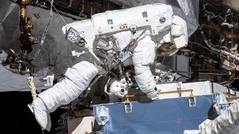 Las astronautas Jessica Meir y Christina Koch hacen historia