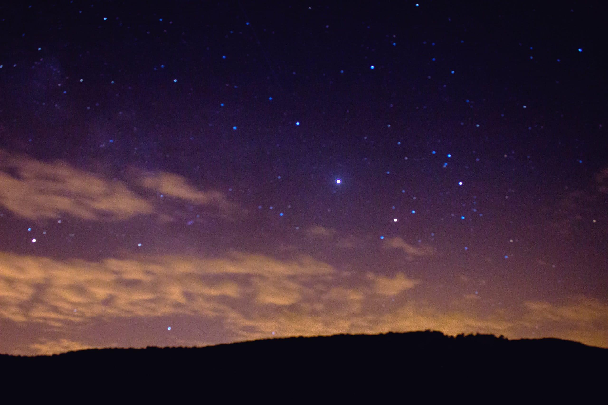 Esperamos la salida de Júpiter con Saturno en una noche de verano