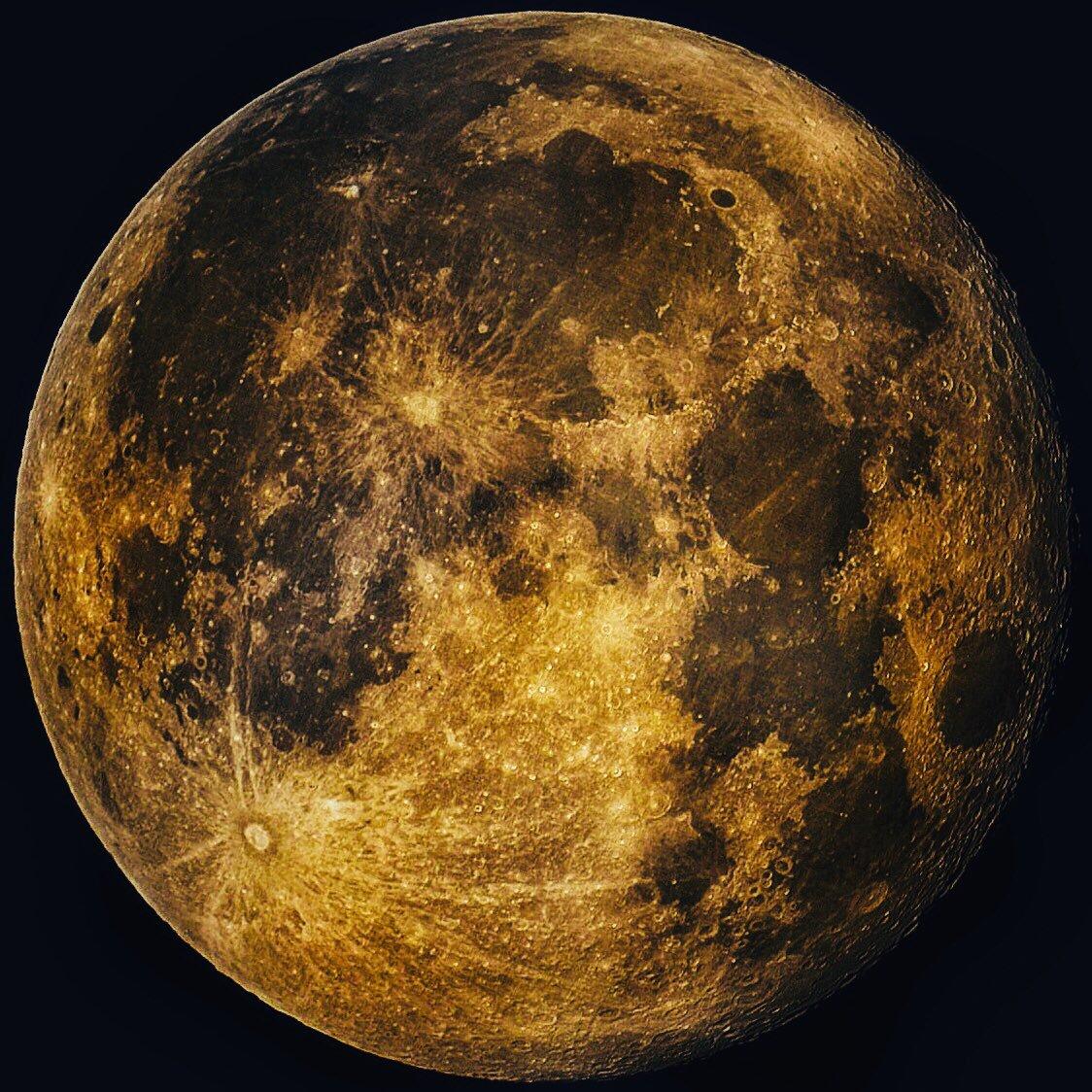 La Luna llena desde España