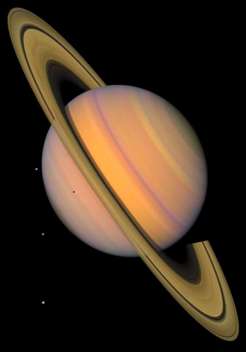 Saturno a todo color