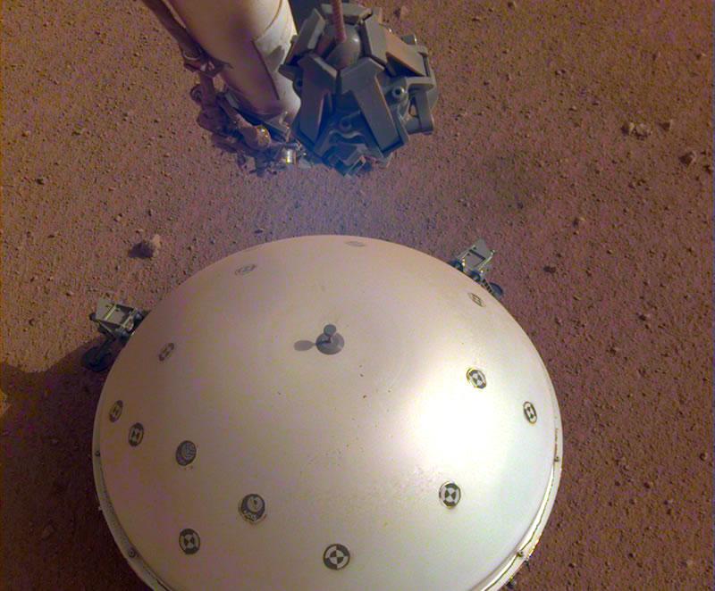 InSight  registró por primera vez un terremoto en Marte