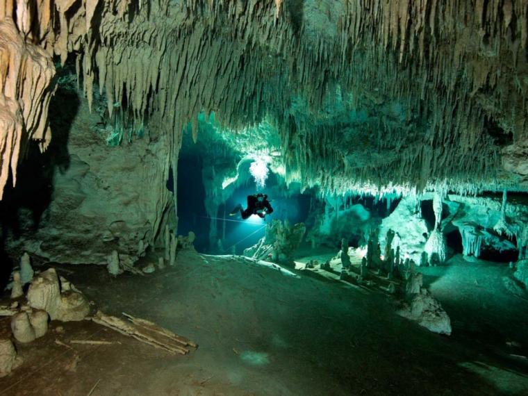 La cueva submarina más grande del mundo