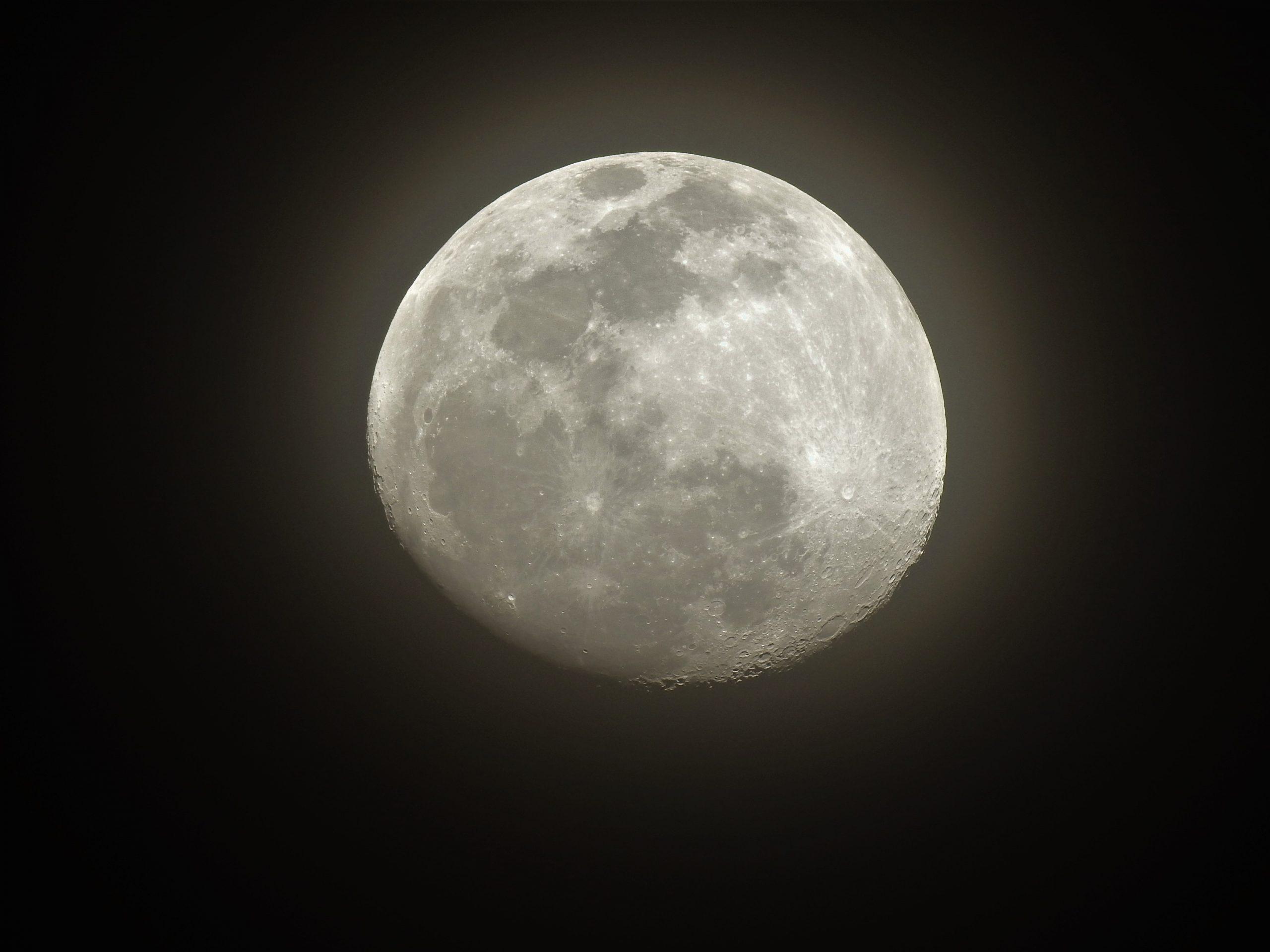 La Luna Hoy 06/02/2020