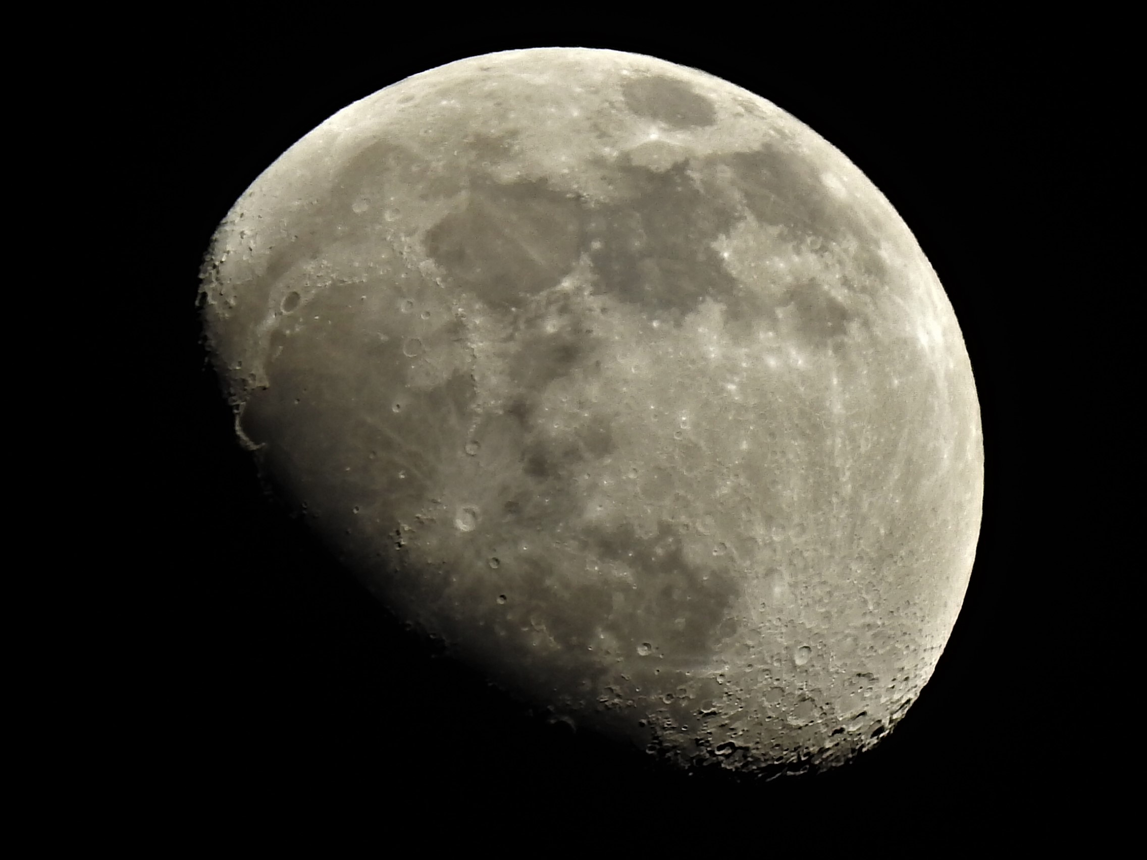 La Luna Hoy 04/02/2020
