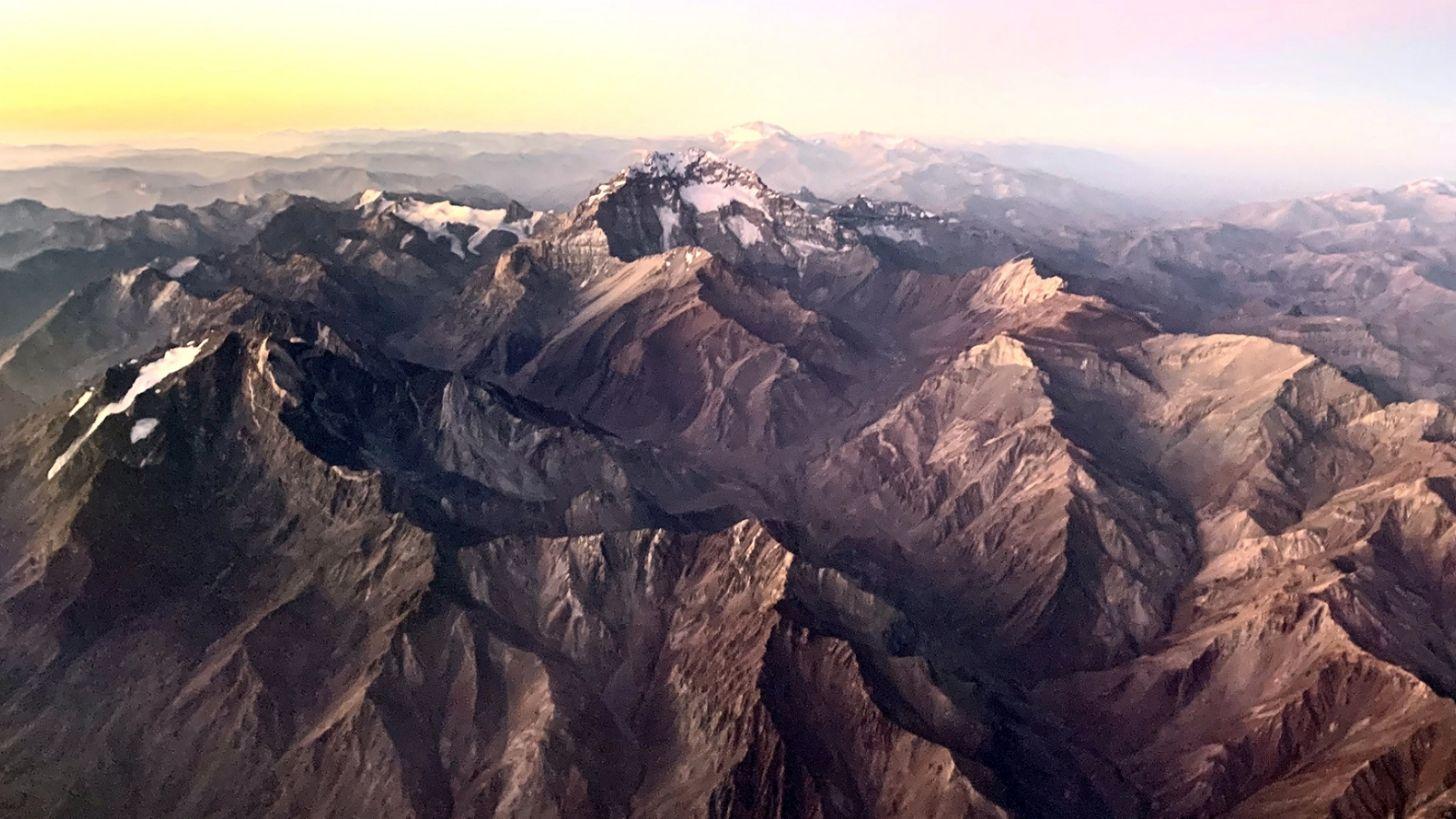 La impactante imagen del Aconcagua sin nieve