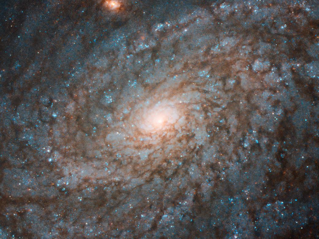 NASA nos trae una foto muy detallada de una galaxia 'pelusa'
