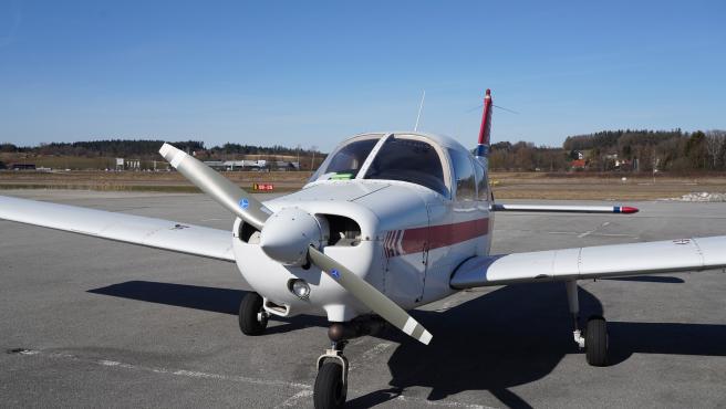 Una avioneta aterriza en la autopista Félix-Leclerc en la ciudad de Quebec