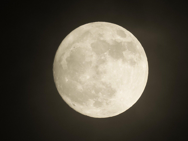 Ida y vuelta a la Luna llena