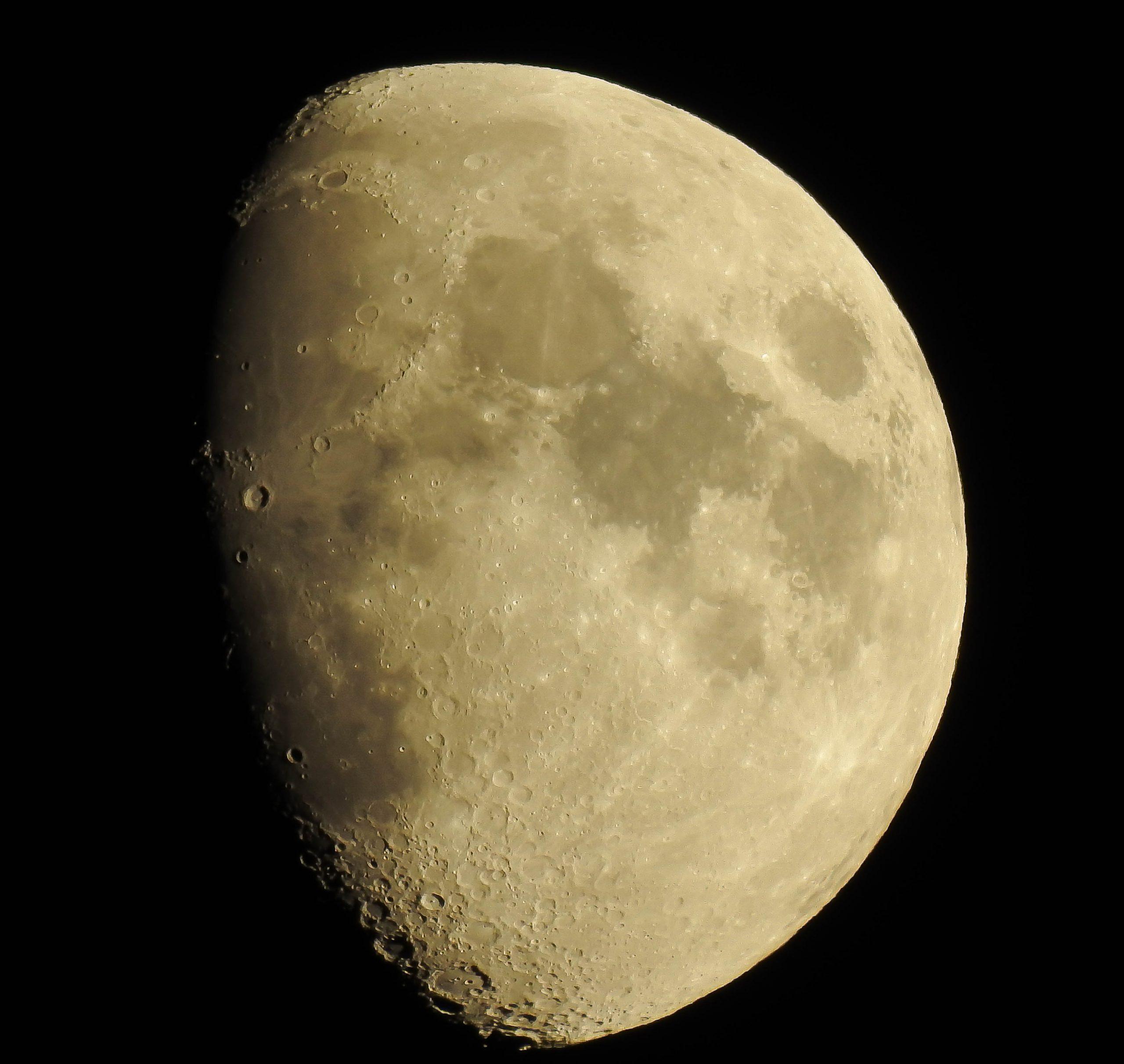 La Luna Hoy