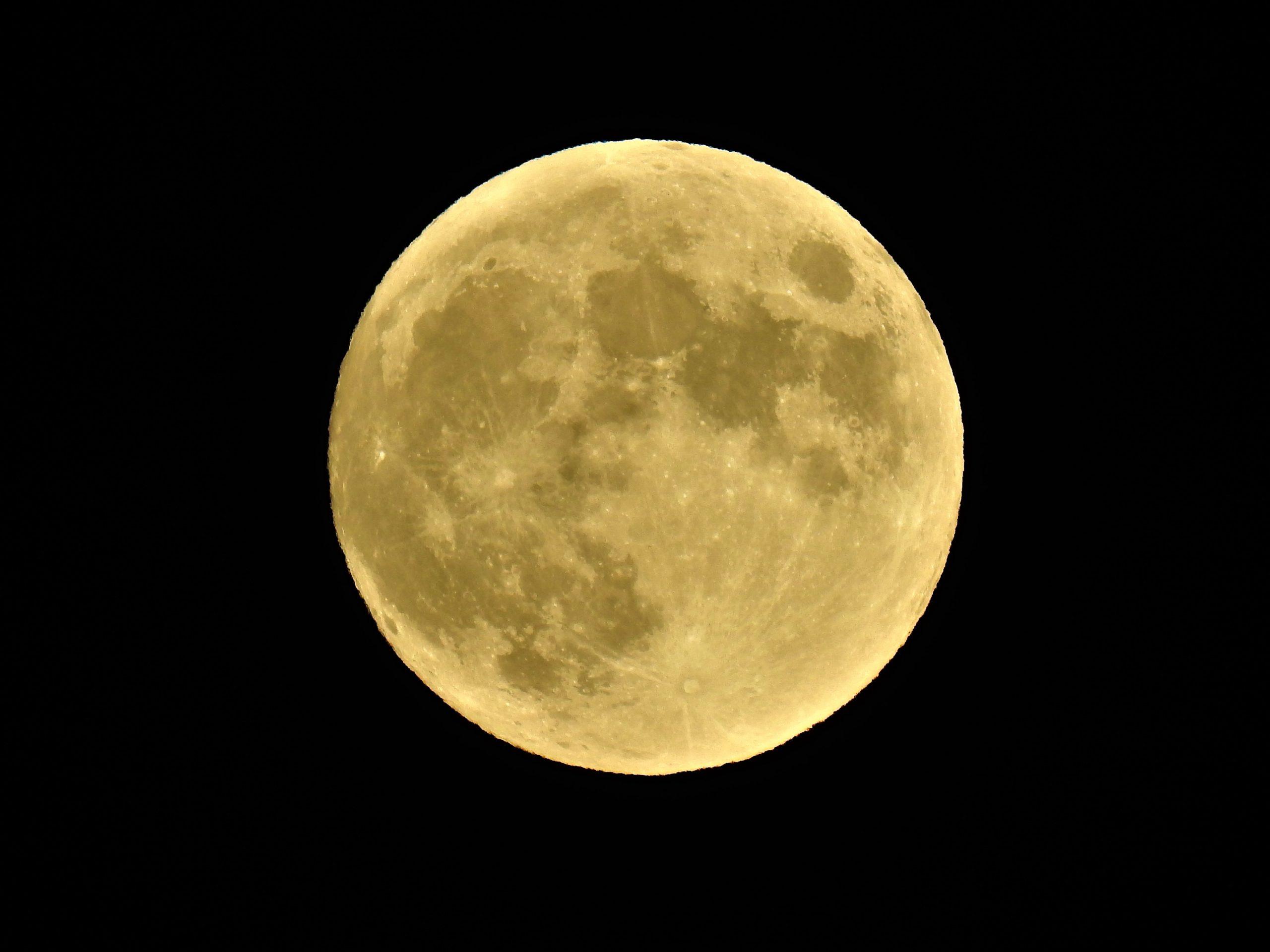 Luna de Trueno. Eclipse penumbral en directo