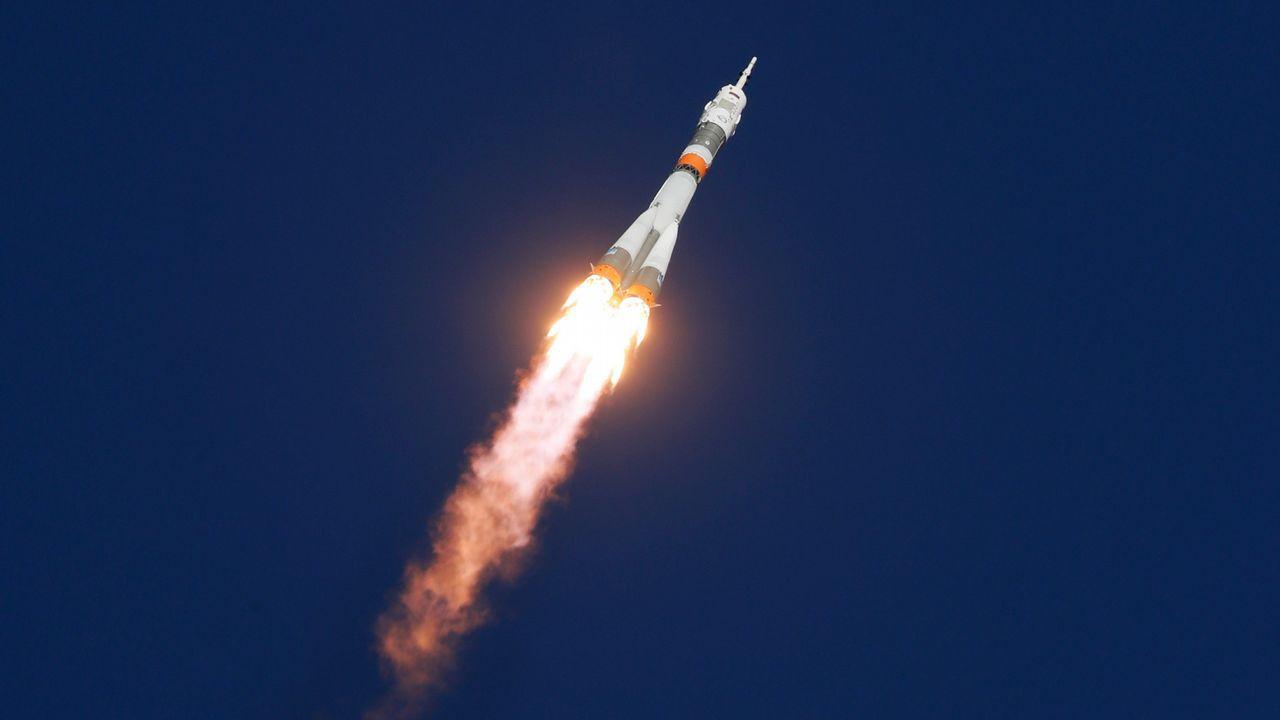 Nuevo récord: Despegue y acoplamiento de la nave espacial Soyuz con la expedición 64 a la EEI