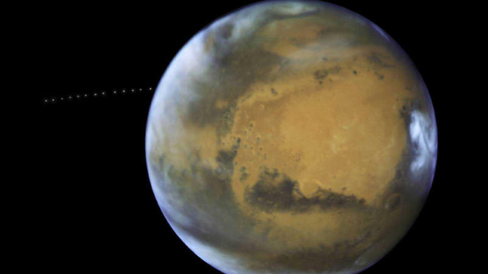Hubble capturó la luna Fobos orbitando Marte